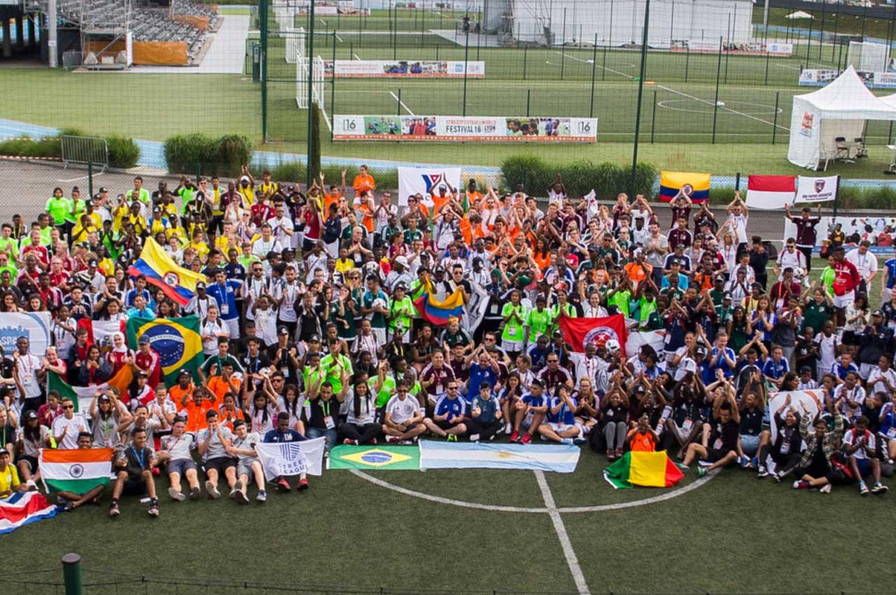 Devenez bénévole pour le festival solidaire de la Coupe du monde de foot féminine !